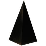 Пирамиды высокие полированные