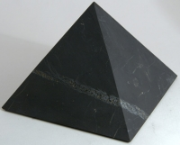 Пирамида неполированная. 10 см