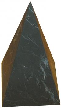 Пирамида высокая неполированная из шунгита. 4 см