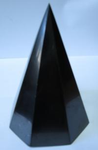 Пирамида высокая 8 граней полированная 10 см